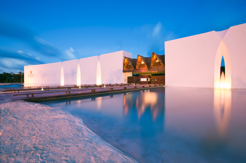 Beachfront Elegant Lounge Luxury Modern Pool sky landmark light Architecture night atmosphere of earth evening sunlight dusk