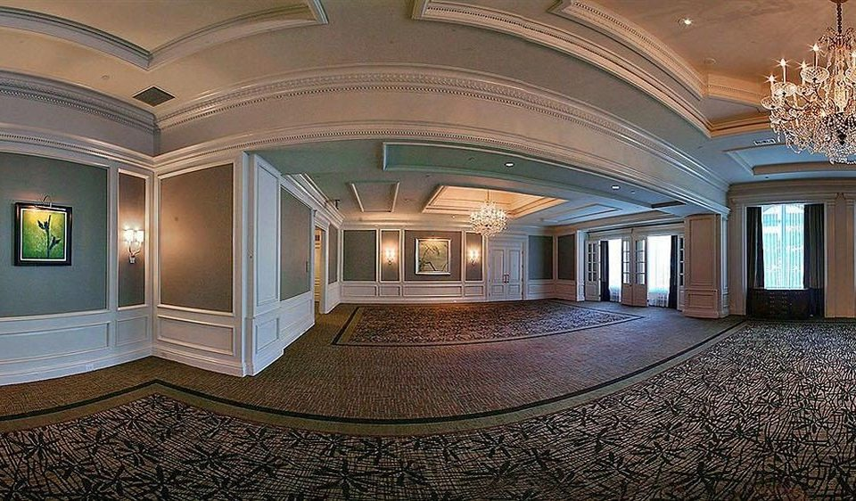 Lobby property Architecture mansion house home hall flooring ballroom palace Bedroom
