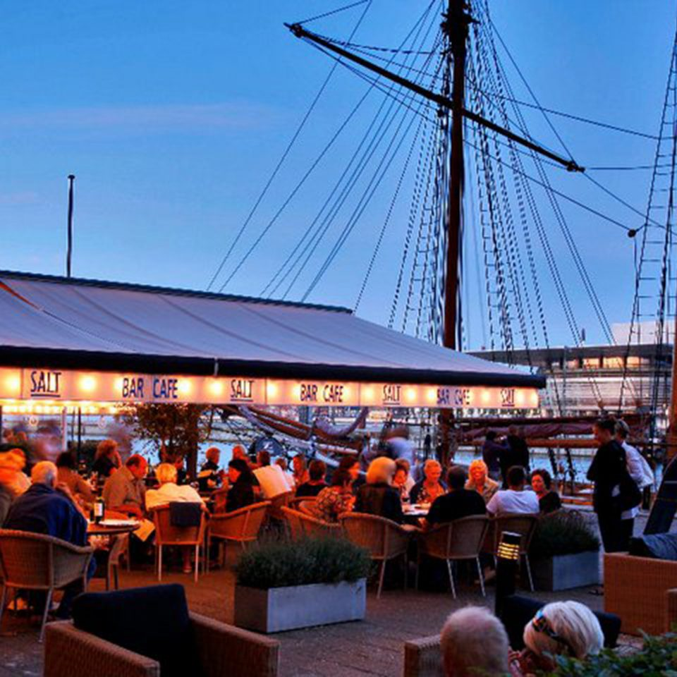 Architecture Boat Buildings Cultural Exterior Waterfront sky group evening restaurant
