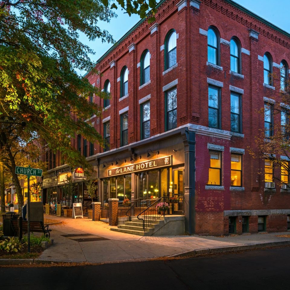 Boutique Exterior Historic Modern tree sky brick street neighbourhood Town City building Downtown Architecture residential area plaza cityscape lined