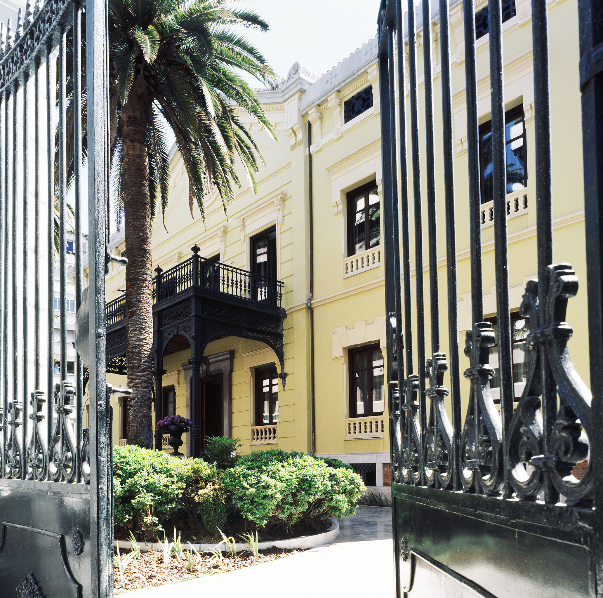Boutique City Exterior Historic property Architecture home condominium Downtown