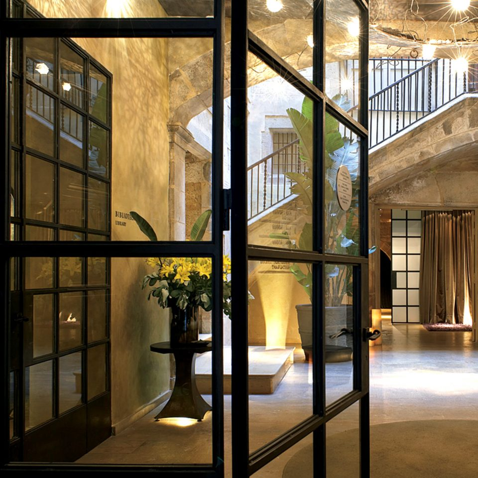 Boutique City Hip Historic Lobby building Architecture lighting tourist attraction museum door art gallery glass hall