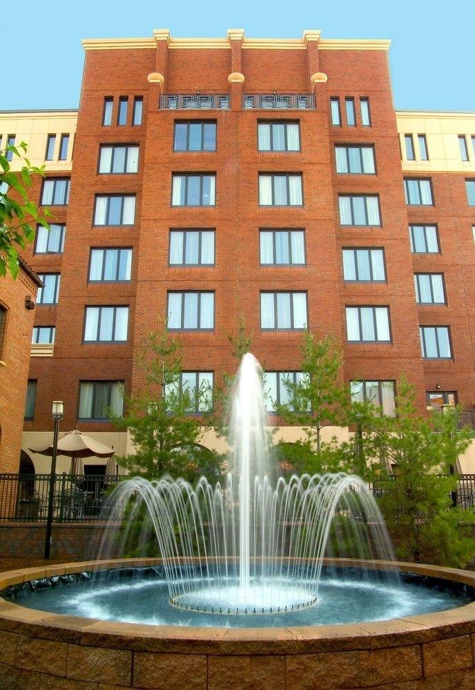 building fountain brick property landmark plaza condominium water feature Architecture tall government building