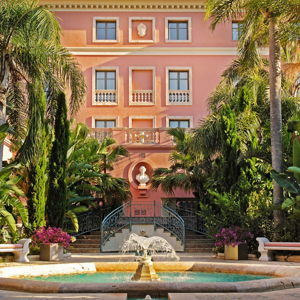 Architecture Buildings Exterior Luxury tree building Garden Courtyard plaza home palace water feature Resort mansion fountain backyard