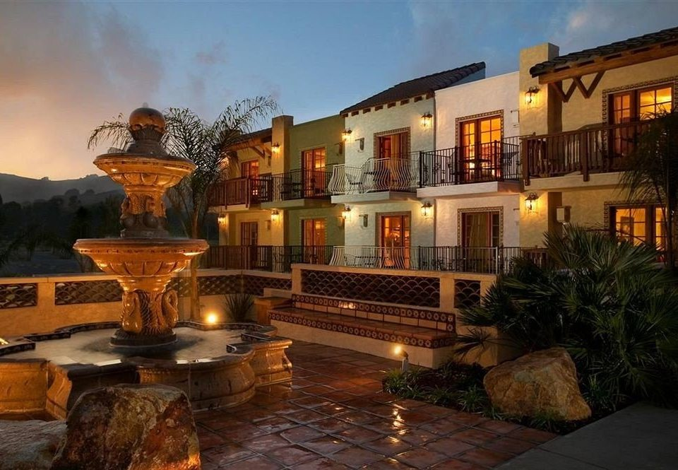 Architecture Buildings Exterior sky property building Courtyard mansion home Villa hacienda landscape lighting plaza