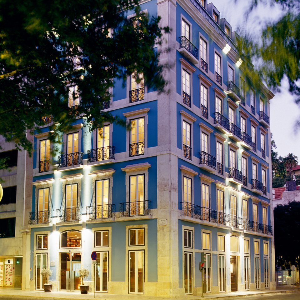 Architecture Buildings Exterior Luxury Modern tree landmark neighbourhood house building plaza condominium Downtown tower block palace town square surrounded