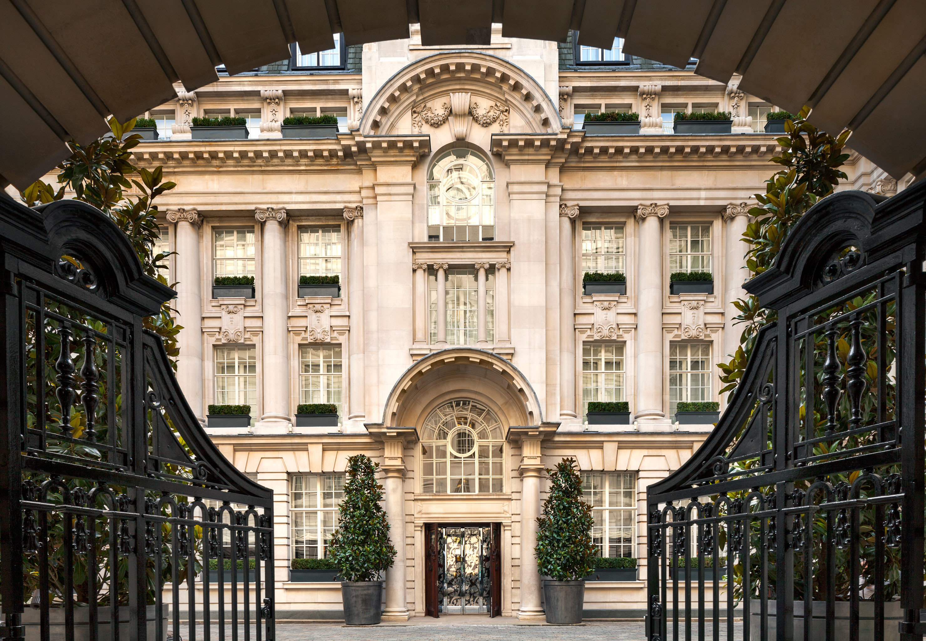 Architecture Buildings Elegant Exterior Historic building landmark palace symmetry mansion tourist attraction arch synagogue walkway