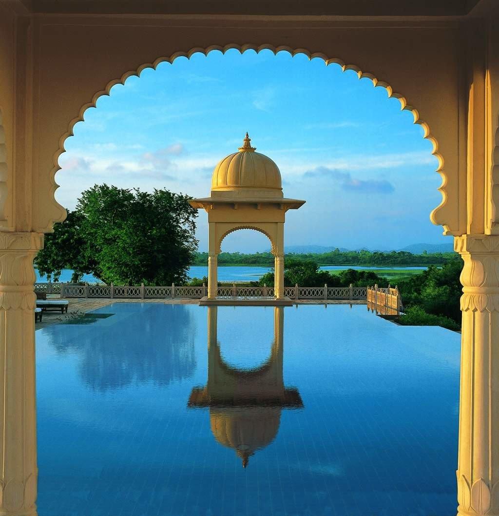 Architecture Buildings Elegant Luxury Resort Scenic views Waterfront water building landmark Lake arch colonnade