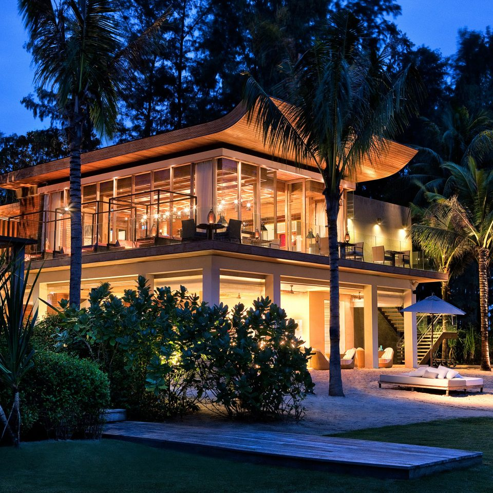 Architecture Buildings Exterior Grounds Luxury Romantic tree house property home building Resort Villa mansion backyard landscape lighting cottage outdoor structure Forest surrounded