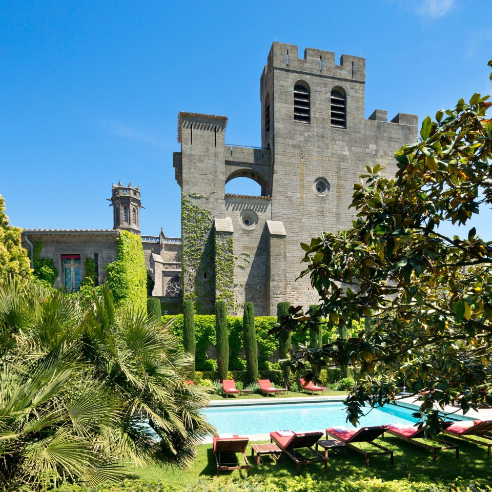 Architecture Buildings Exterior Historic Luxury Play Pool Scenic views tree sky landmark building château castle tower Garden mansion stone surrounded