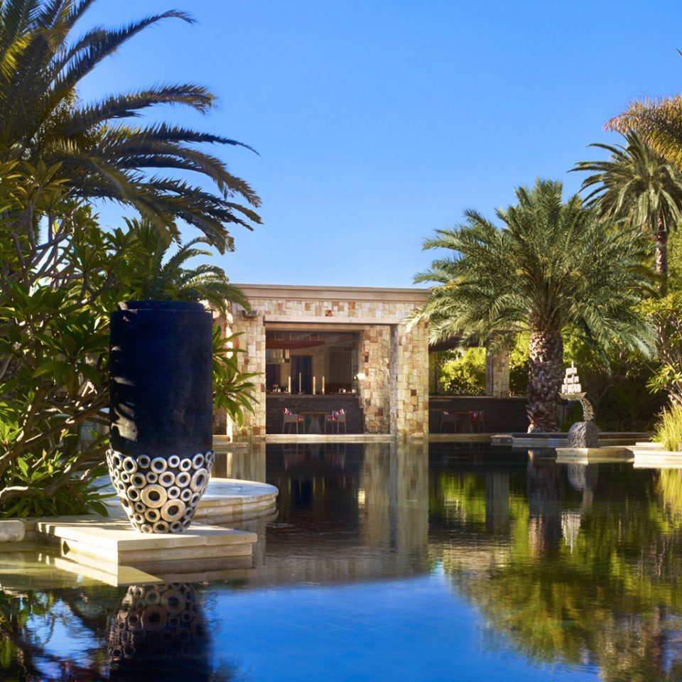 Architecture Buildings Exterior Luxury Modern Play Pool Resort Scenic views tree sky property swimming pool palm reflecting pool arecales home Villa waterway palace Garden mansion plant lined