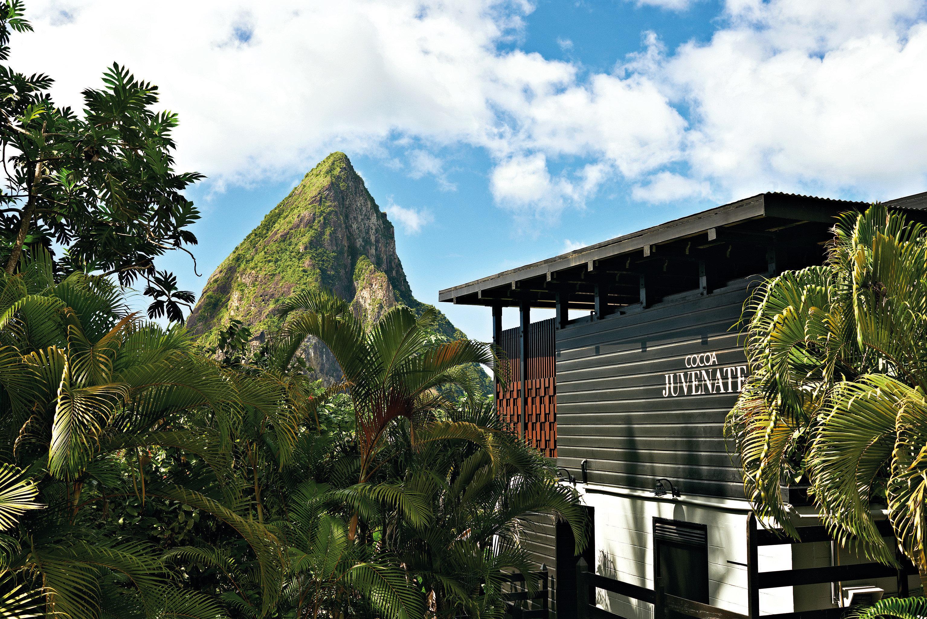 Architecture Buildings Exterior Hotels Mountains Romance Scenic views sky tree landmark house mountain plant Resort mountain range