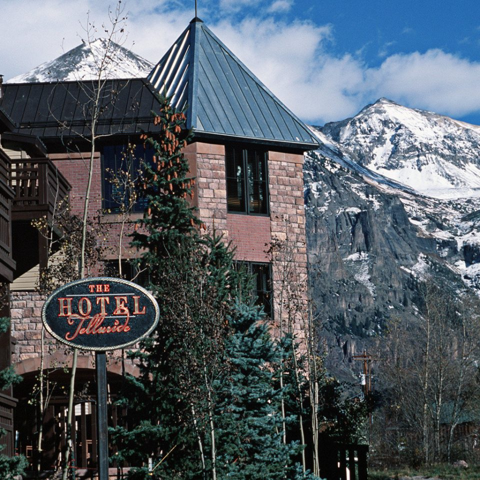 Architecture Buildings Exterior Mountains Resort sign Town Winter house mountain snow mountain range