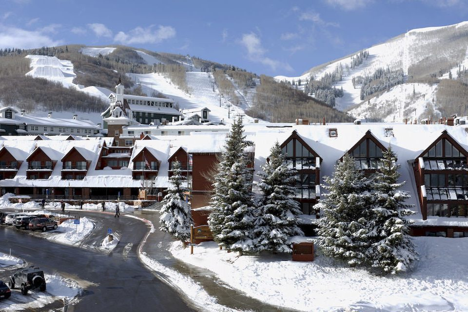 Architecture Buildings Exterior Outdoors Ski snow sky mountain Winter weather covered geological phenomenon season Resort piste mountain range Nature