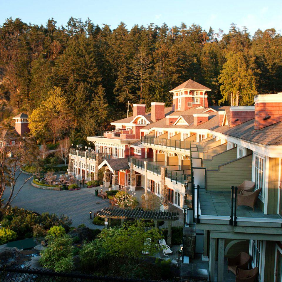 Architecture Buildings Exterior Resort Scenic views tree sky Town building house home Village autumn park