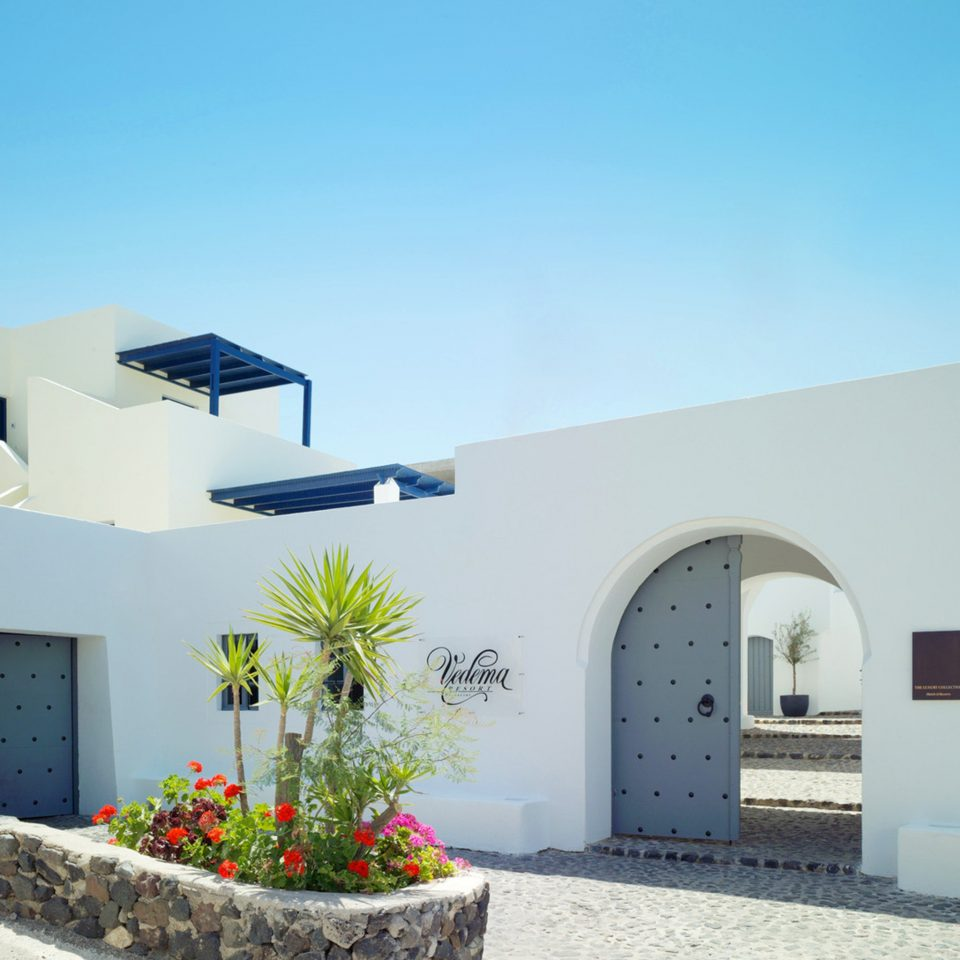 Architecture Buildings Exterior sky house property building home Villa hacienda professional residential area cottage
