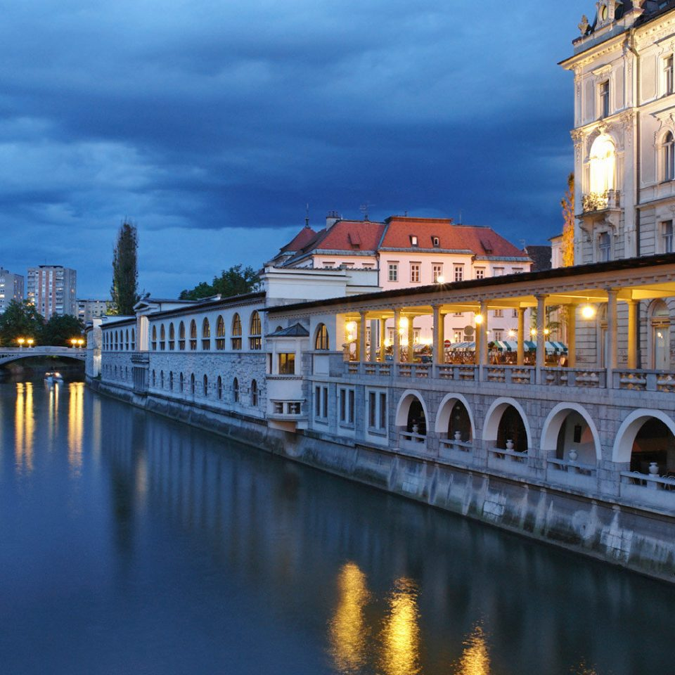 Architecture City Historic sky water Canal River landmark waterway Town bridge cityscape scene evening palace