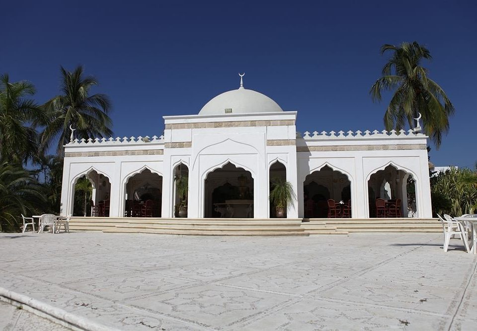 historic site building landmark Architecture place of worship mausoleum temple shrine synagogue palace chapel Church mosque stone square