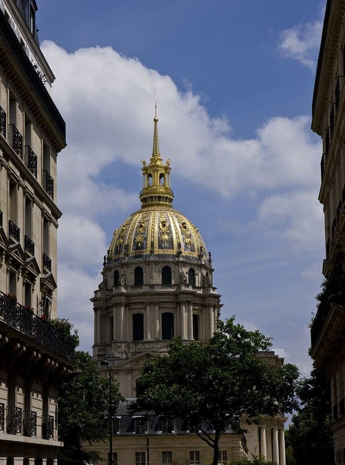 building sky landmark Architecture City cathedral place of worship Church spire tower basilica monument palace old stone