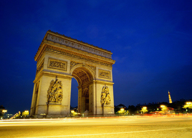 sky building road landmark tower night arch monument street Architecture triumphal arch evening ancient history City temple