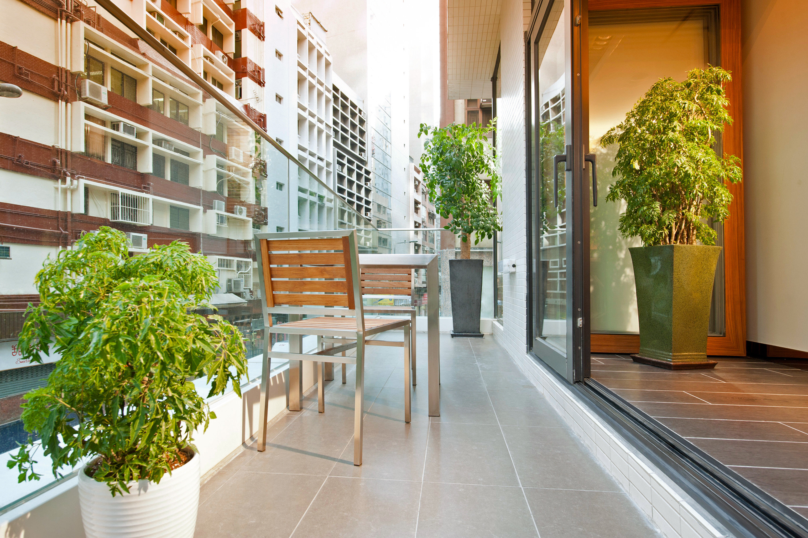 City Classic Dining Drink Eat Patio property Lobby building condominium Courtyard house Architecture home professional flooring plant