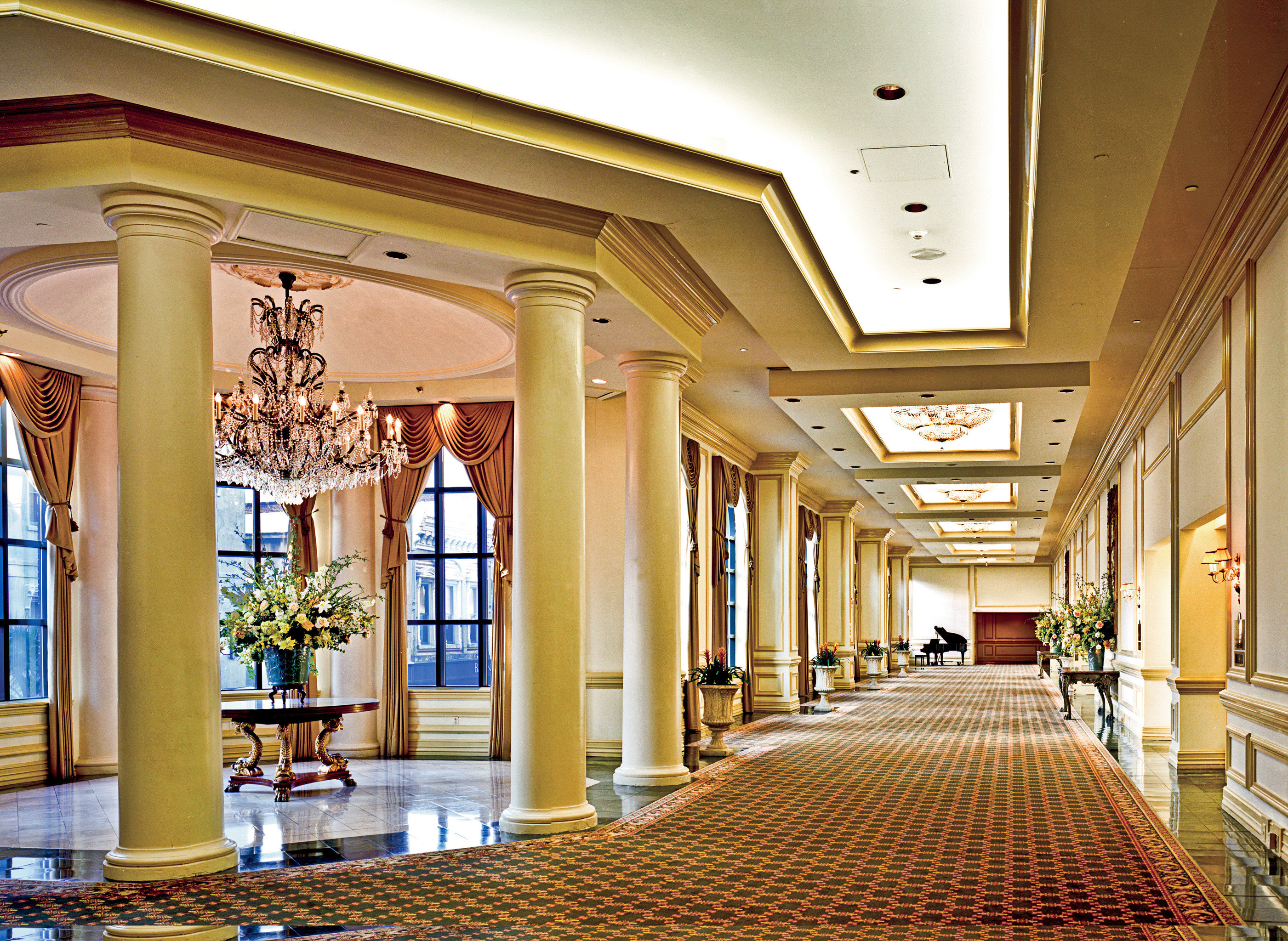 City Classic Elegant Historic Lobby Scenic views building Architecture palace hall shopping mall mansion convention center ballroom aisle column library plaza colonnade