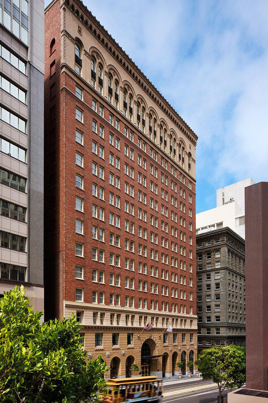 building tower block landmark City metropolitan area neighbourhood Architecture Downtown residential area condominium plaza skyscraper tall metropolis cityscape brick apartment building