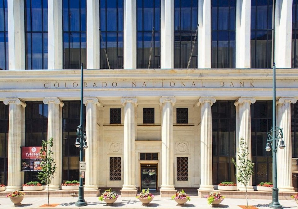 building structure landmark plaza Architecture Downtown column City palace government building colonnade