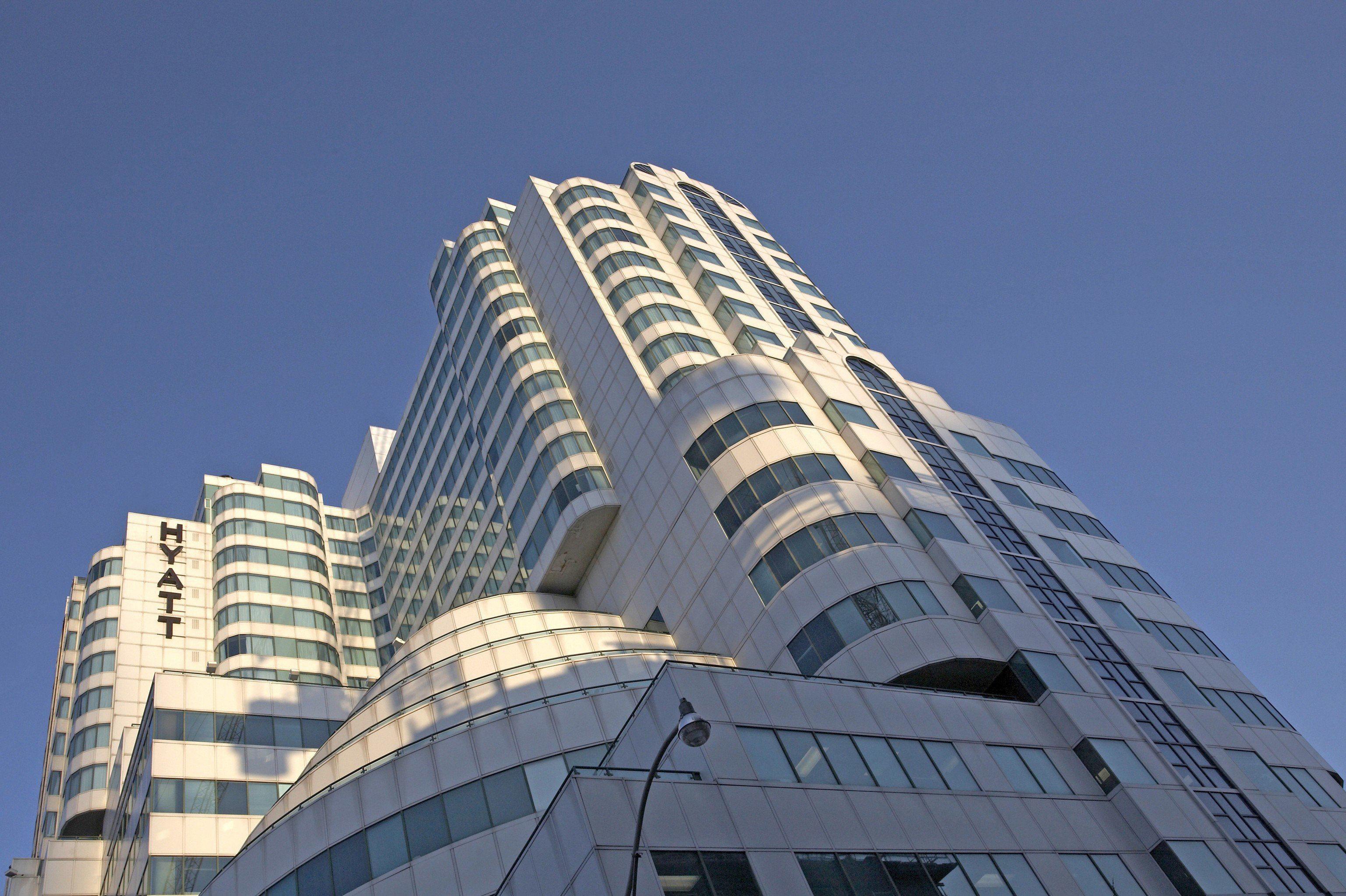 sky building skyscraper tower block landmark metropolitan area City Architecture metropolis Downtown tower headquarters cityscape condominium tall day