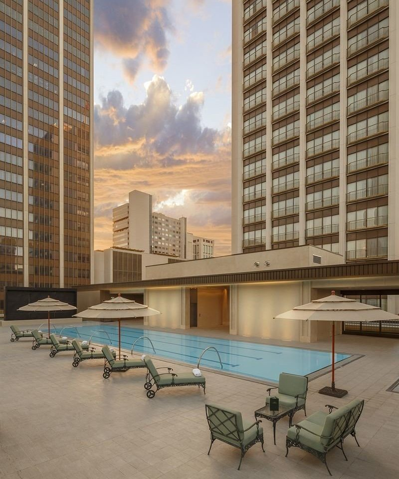Exterior Hot tub/Jacuzzi Lounge Pool building condominium City plaza Architecture Downtown tower block apartment building cityscape skyscraper headquarters tower