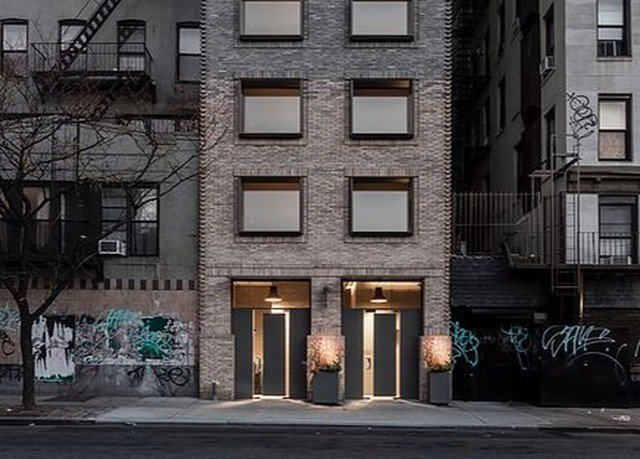 building road house neighbourhood Town street residential area City Architecture Downtown alley lighting home suburb infrastructure apartment building