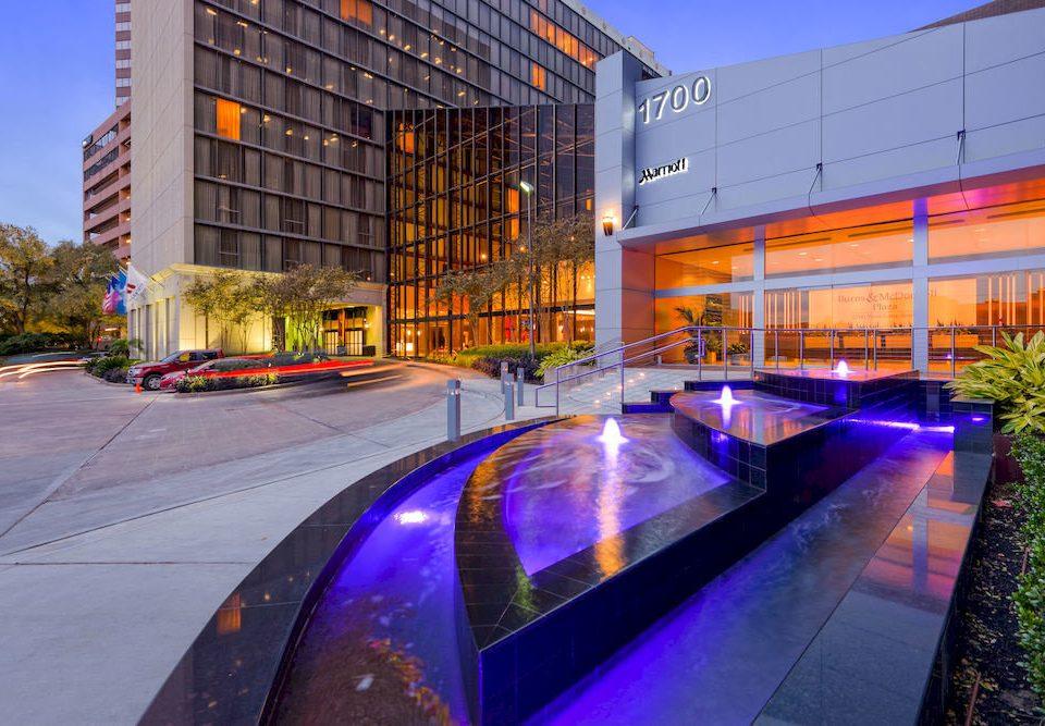 Classic Exterior sky Architecture plaza platform Downtown condominium shopping mall headquarters