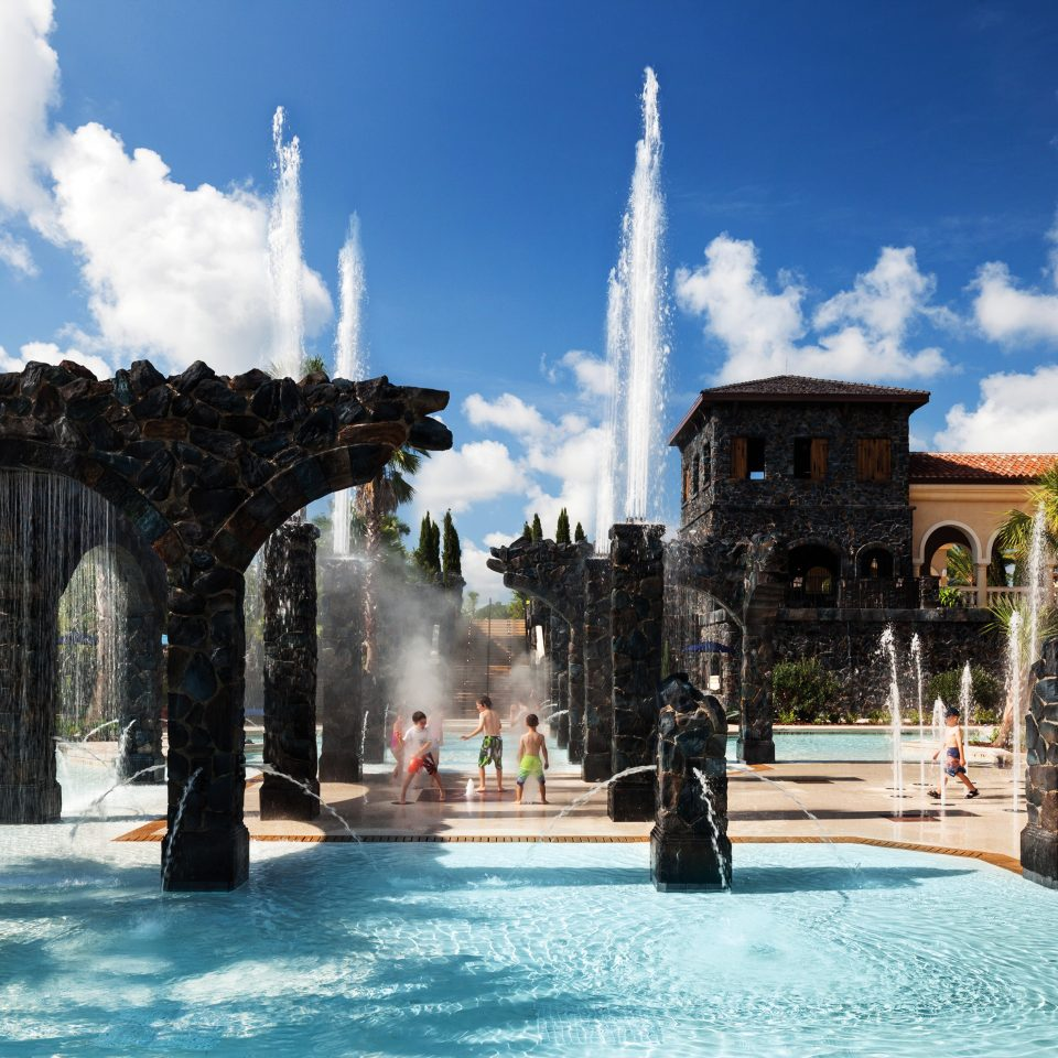 Classic Exterior Family Resort sky building fountain landmark plaza Town Architecture town square palace water feature travel cityscape colonnade