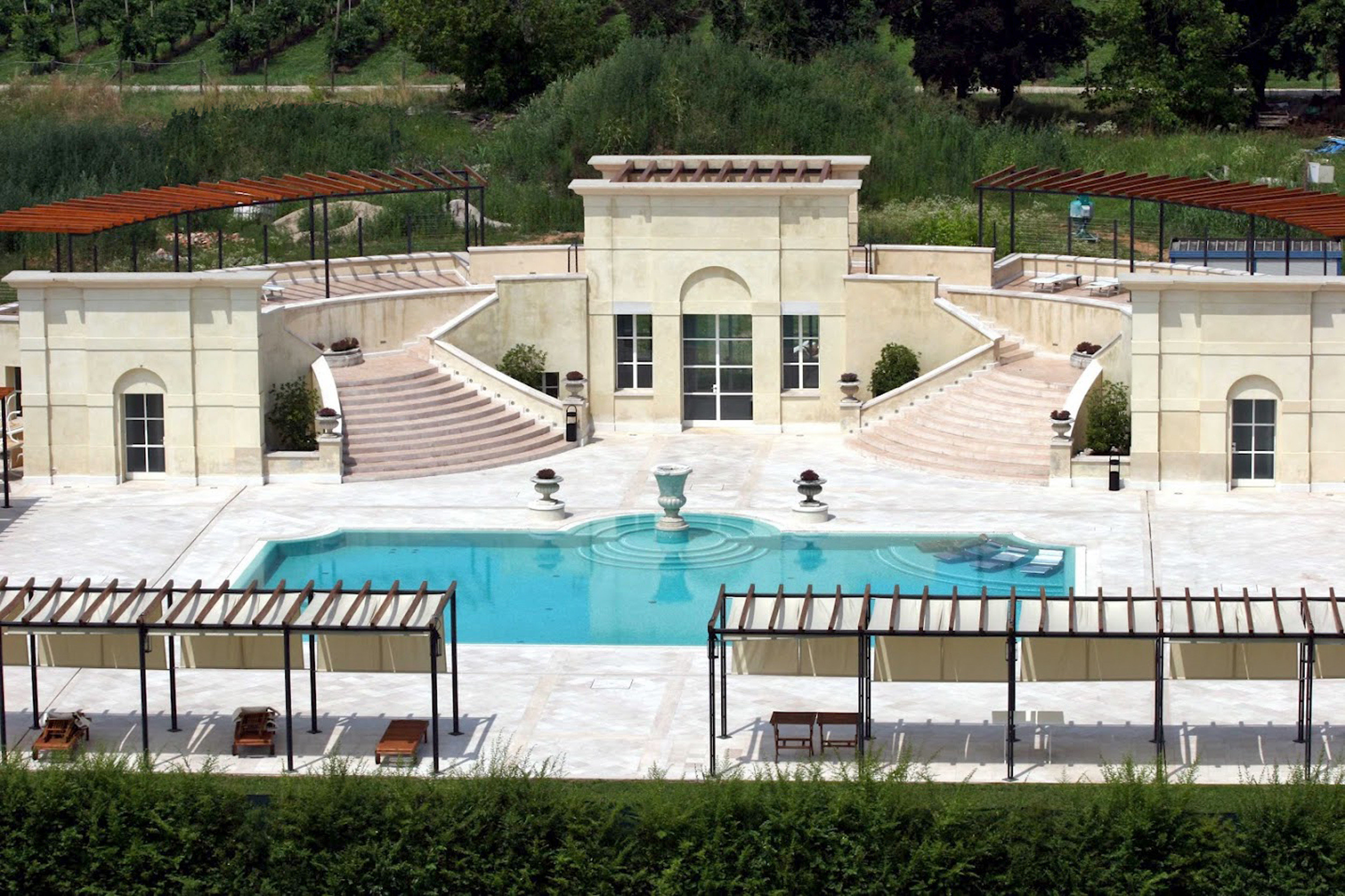 Country Elegant Grounds Historic Pool Villa building tree structure Architecture plaza sport venue palace arena stadium