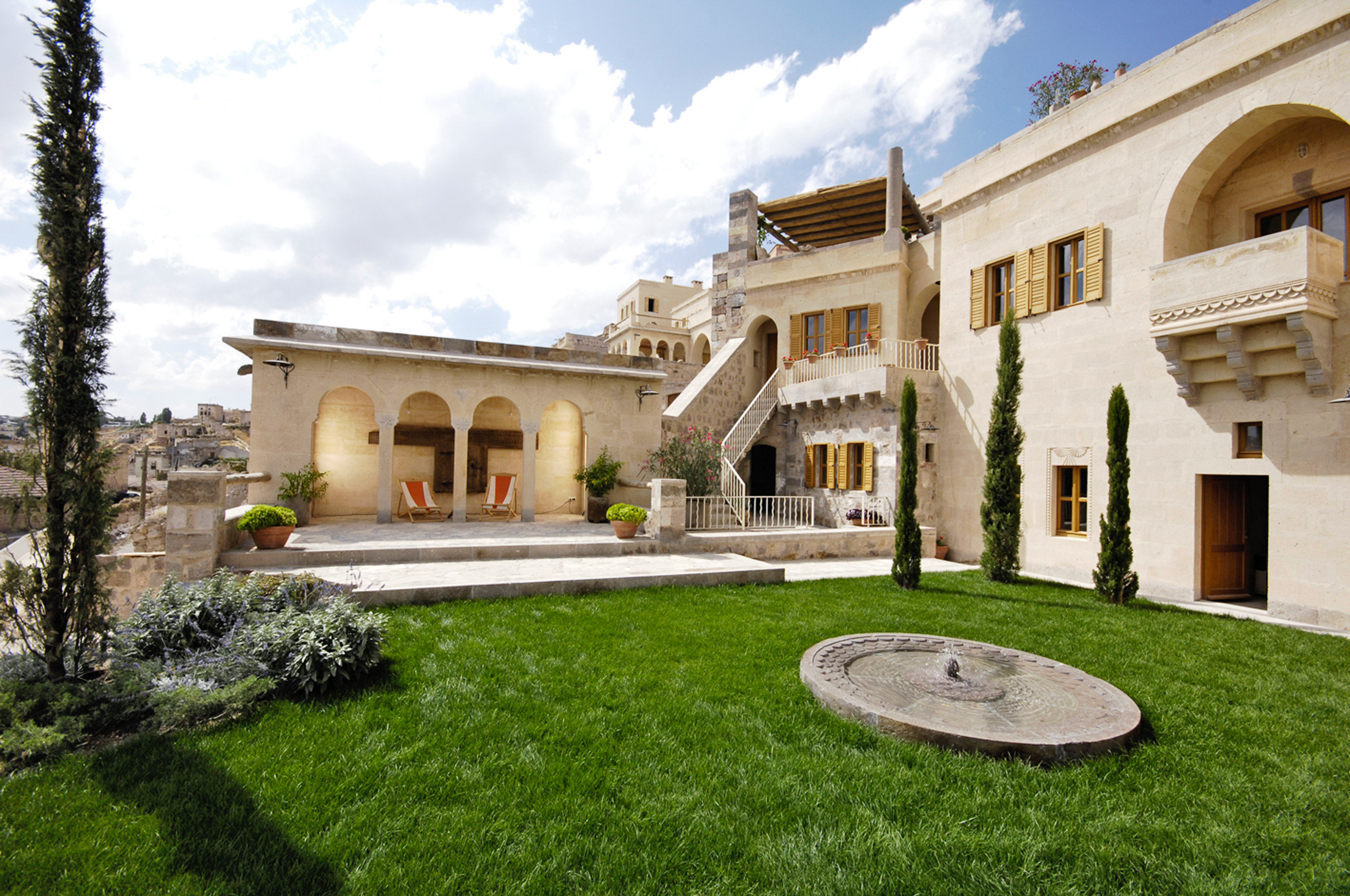 Architecture Eco Grounds Luxury Resort grass sky property building home house mansion Villa Courtyard hacienda manor house lawn palace stone colonnade
