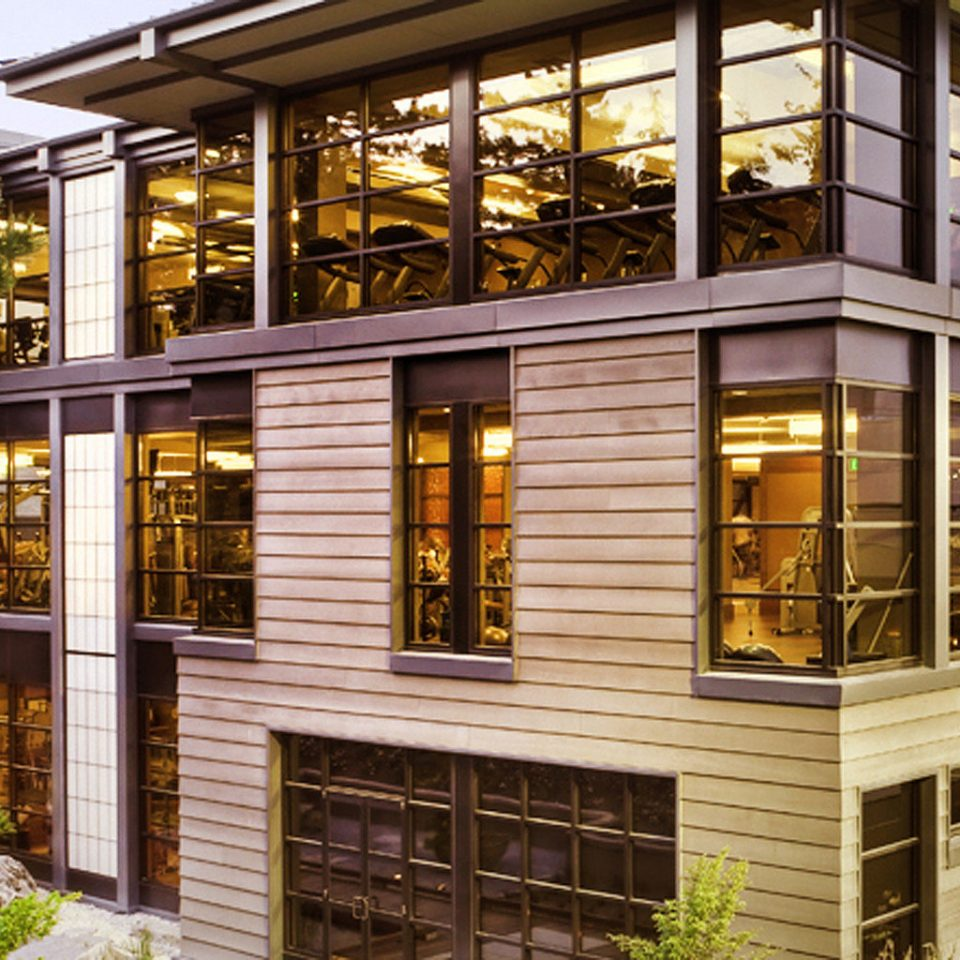 Exterior Grounds Modern building property house Fireplace home condominium Architecture porch siding residential area professional outdoor structure orangery Courtyard mansion