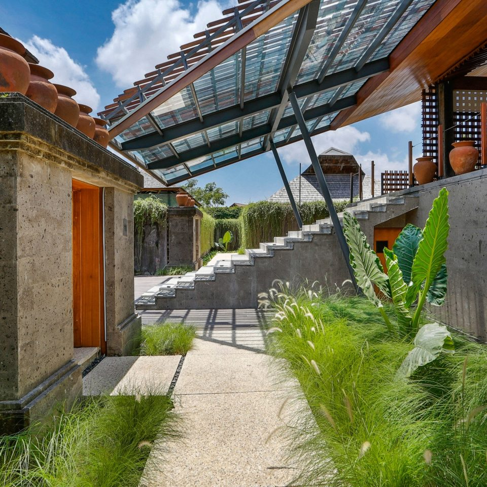 Exterior Luxury Modern Tropical building grass neighbourhood Architecture house residential area home Courtyard Garden stone structure walkway