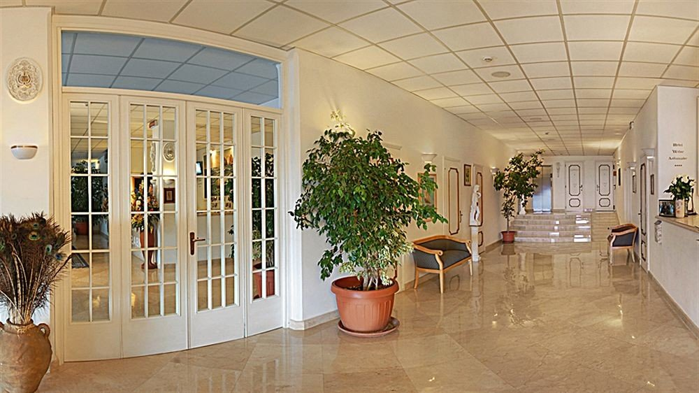 Lobby property building Architecture home hall Courtyard flooring plant tourist attraction