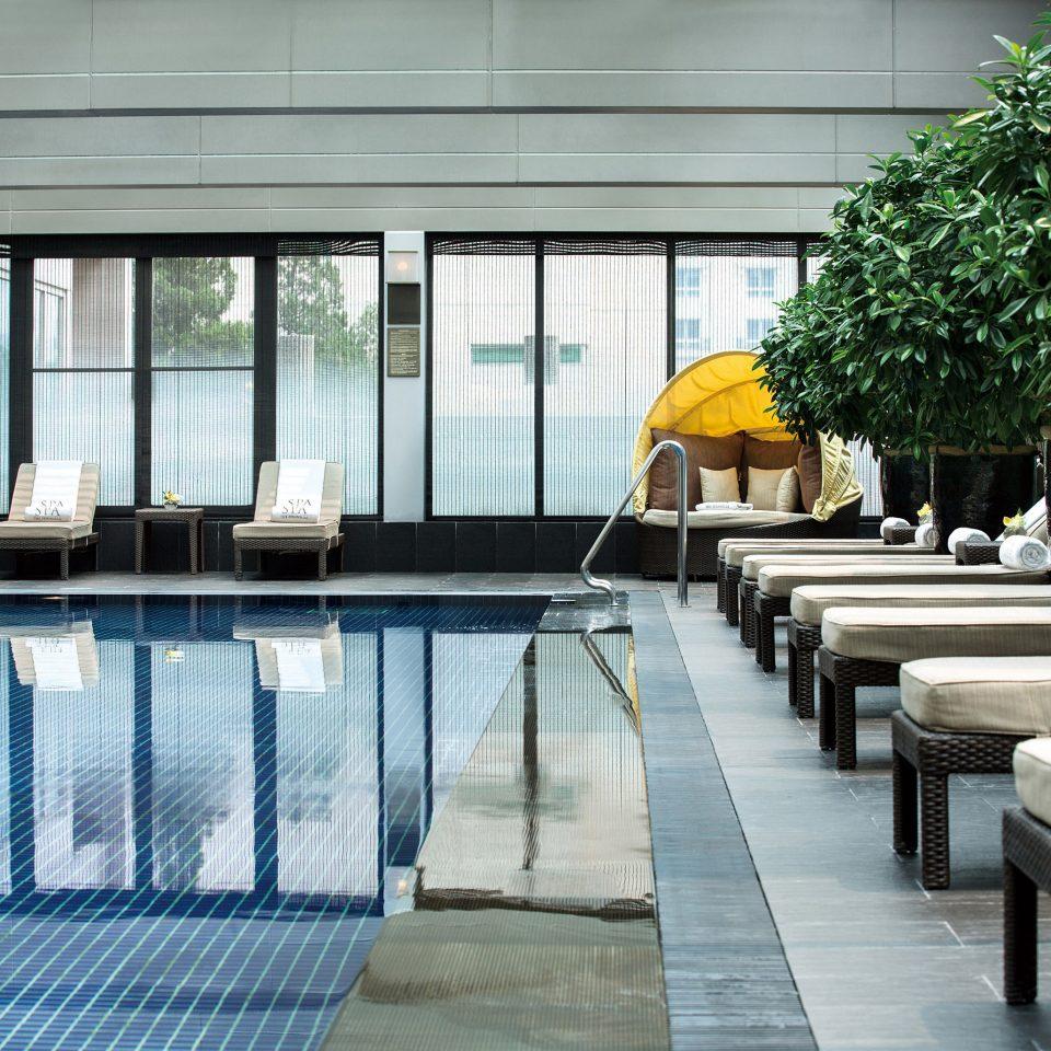 building Architecture Courtyard condominium swimming pool backyard Resort outdoor structure Villa