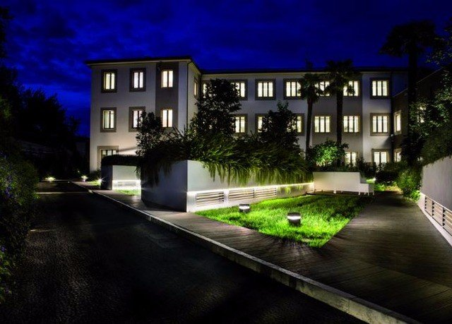 house property home condominium residential area building mansion Architecture landscape lighting Courtyard suburb Villa backyard way night