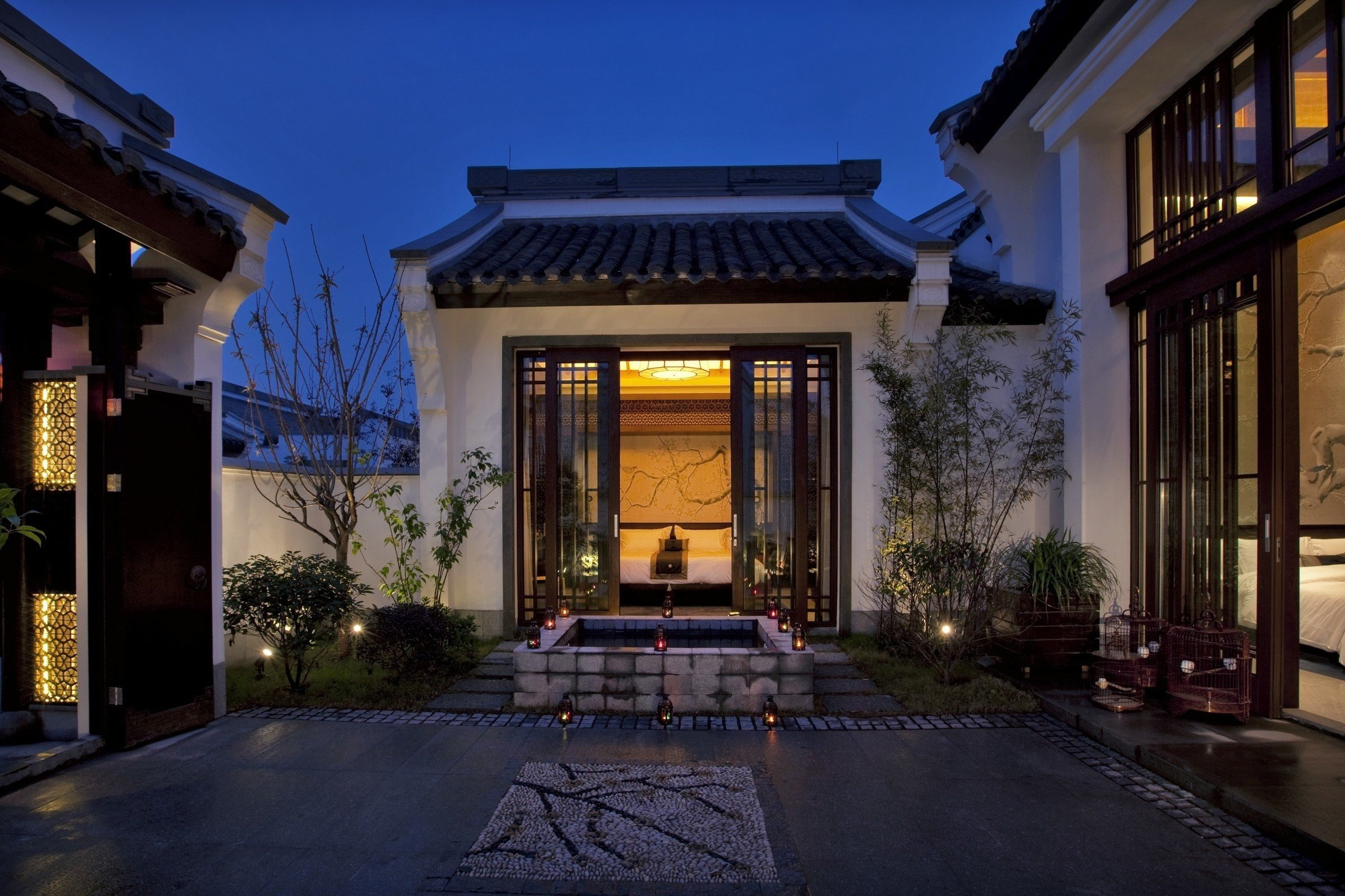 building sky house property home Architecture mansion Courtyard lighting residential area Villa condominium landscape lighting
