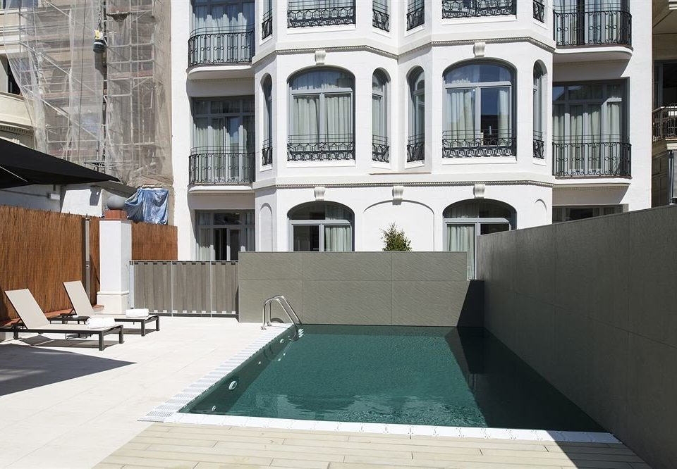 property building swimming pool house Architecture condominium home Villa mansion Courtyard