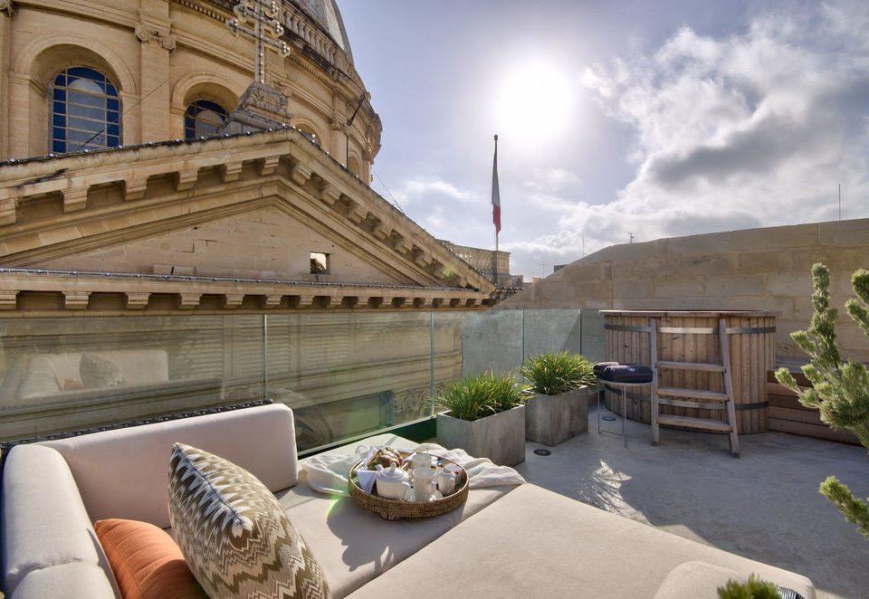 sky property Architecture Villa condominium mansion Courtyard