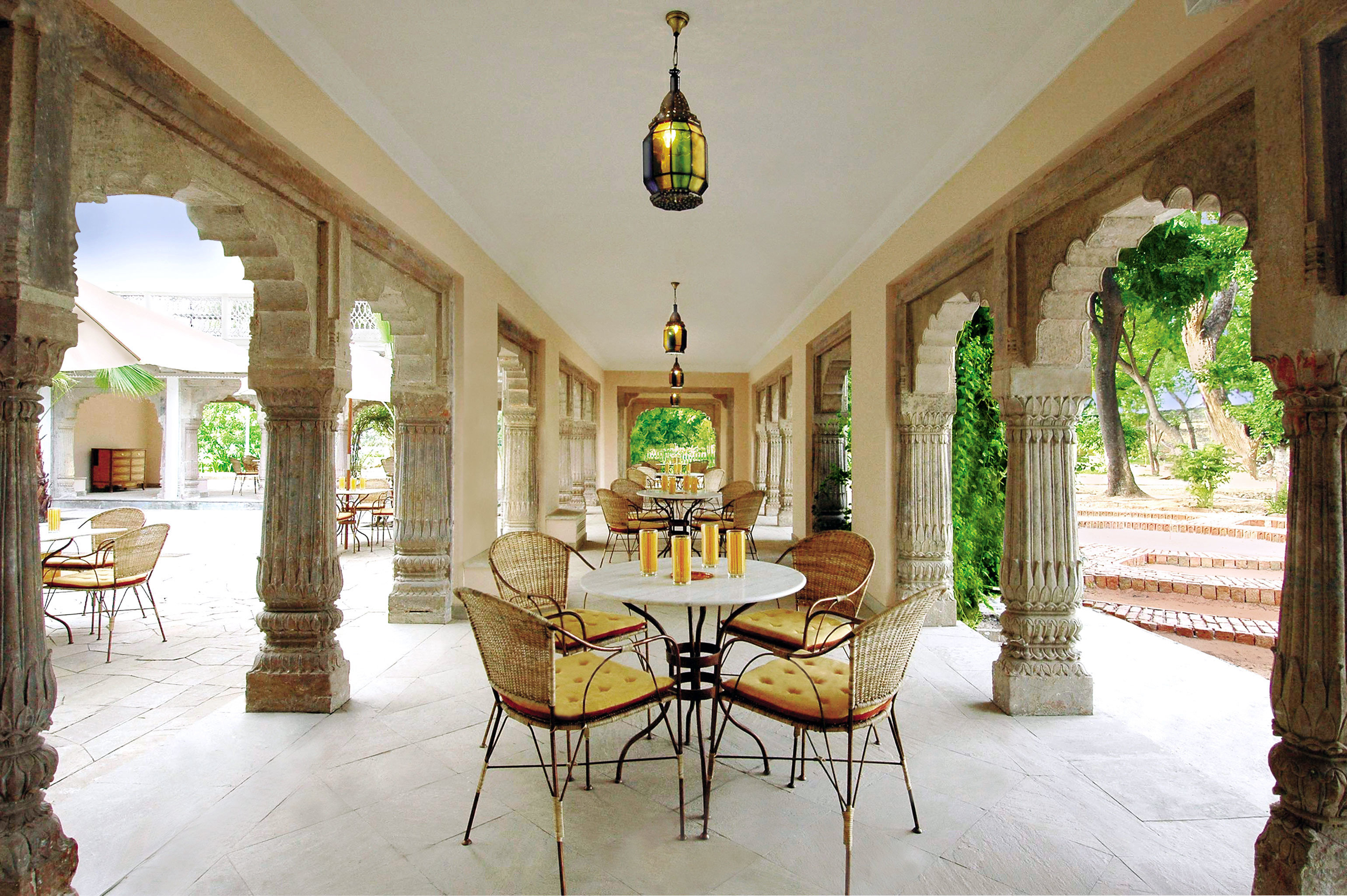 Architecture Cultural Dining property house home mansion palace porch Villa hacienda Resort living room cottage Lobby