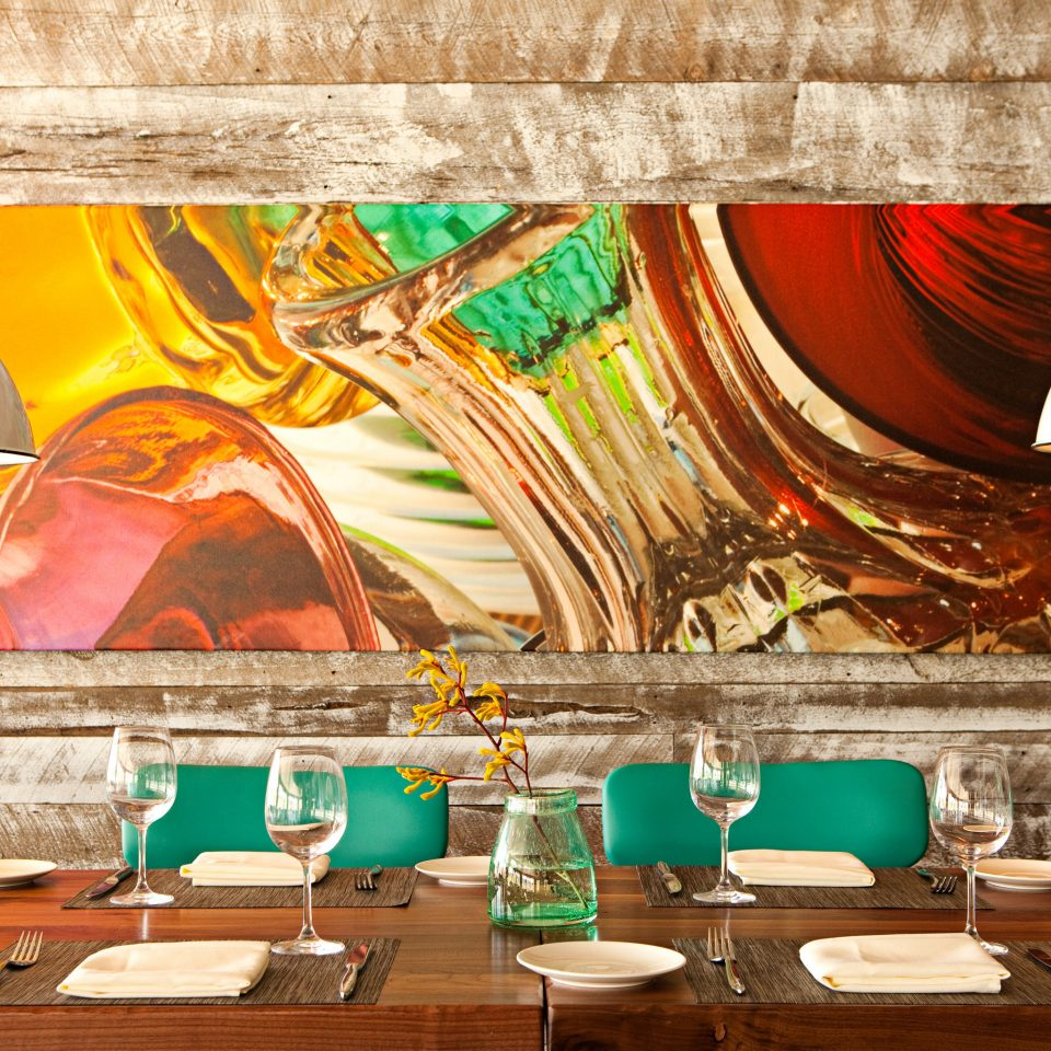 Architecture Dining Drink Eat Family Hip Luxury Modern Resort Romance Romantic Waterfront color restaurant modern art mural painting