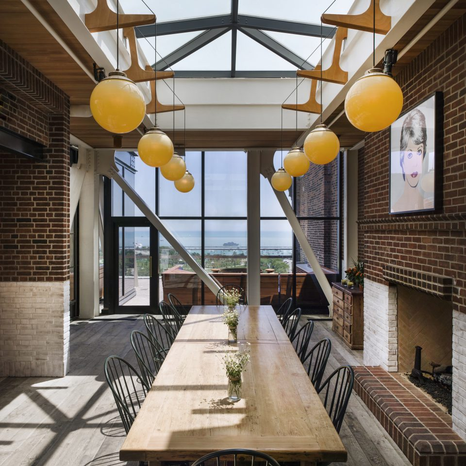 Dining Drink Eat Historic Lounge Modern Scenic views Trip Ideas building ground Architecture home daylighting lighting Lobby porch living room loft