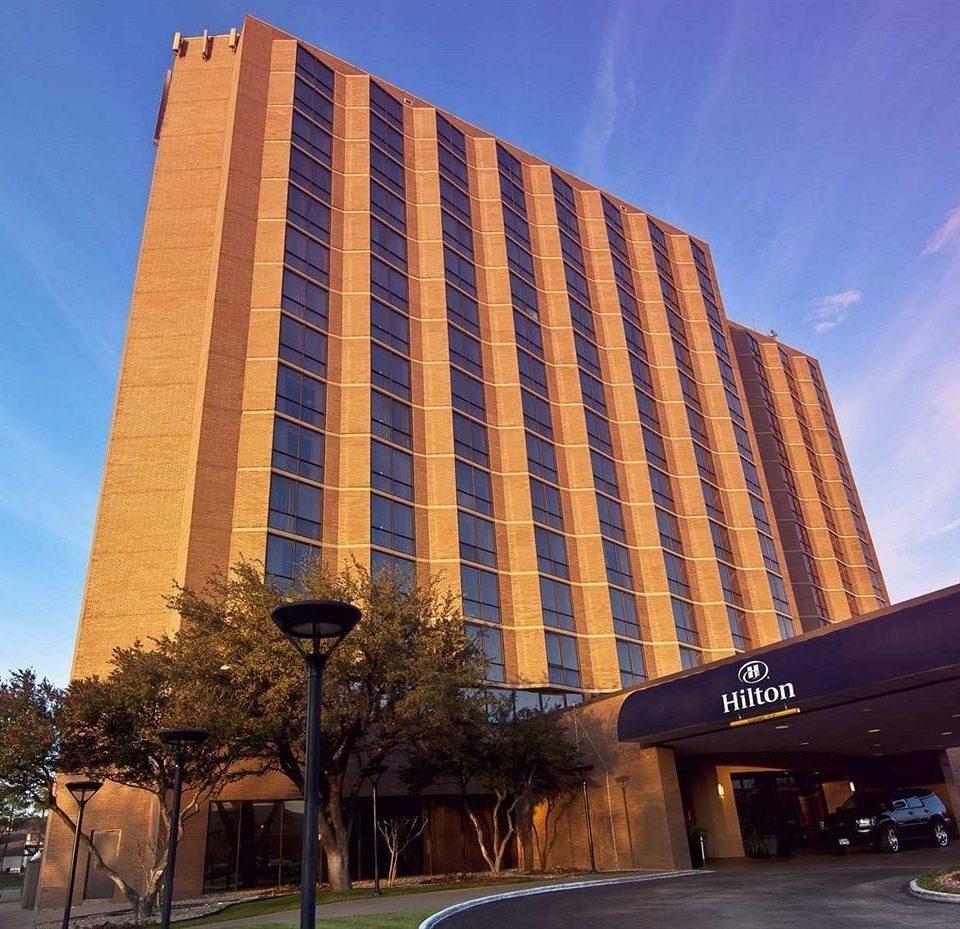 sky building landmark tower block Architecture Downtown brutalist architecture tall skyscraper plaza headquarters condominium