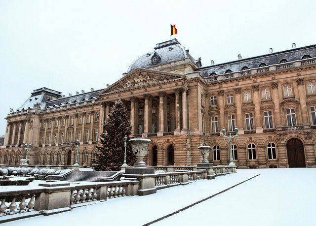sky building landmark Architecture Winter plaza palace snow Downtown town square ancient history old