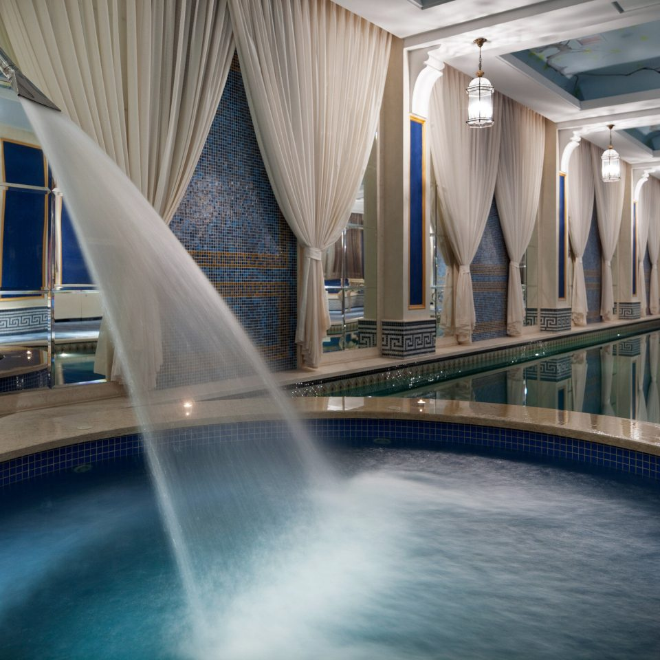 Elegant Hip Hot tub Hot tub/Jacuzzi Lounge Luxury Modern Pool swimming pool Architecture thermae