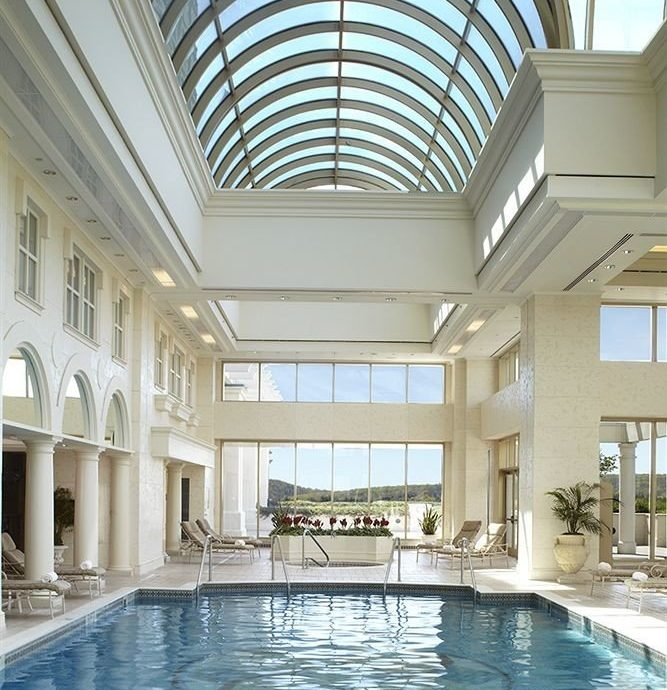 Elegant Lounge Pool swimming pool property building Architecture leisure centre daylighting condominium mansion Resort palace